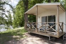 812224a82c3e56 Riverglade Caravan Park. Van sites. Self contained ensuite cabins. Cabin  vans   amenities block. Own linen required linen can be hired.